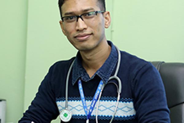 Dr_Suresh_Kayastha_OBGYN_Oncologist_11016