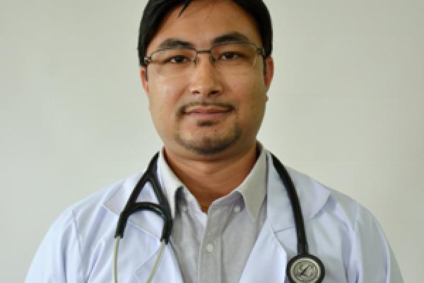 Dr.Yogesh_Kayastha_Orthoped